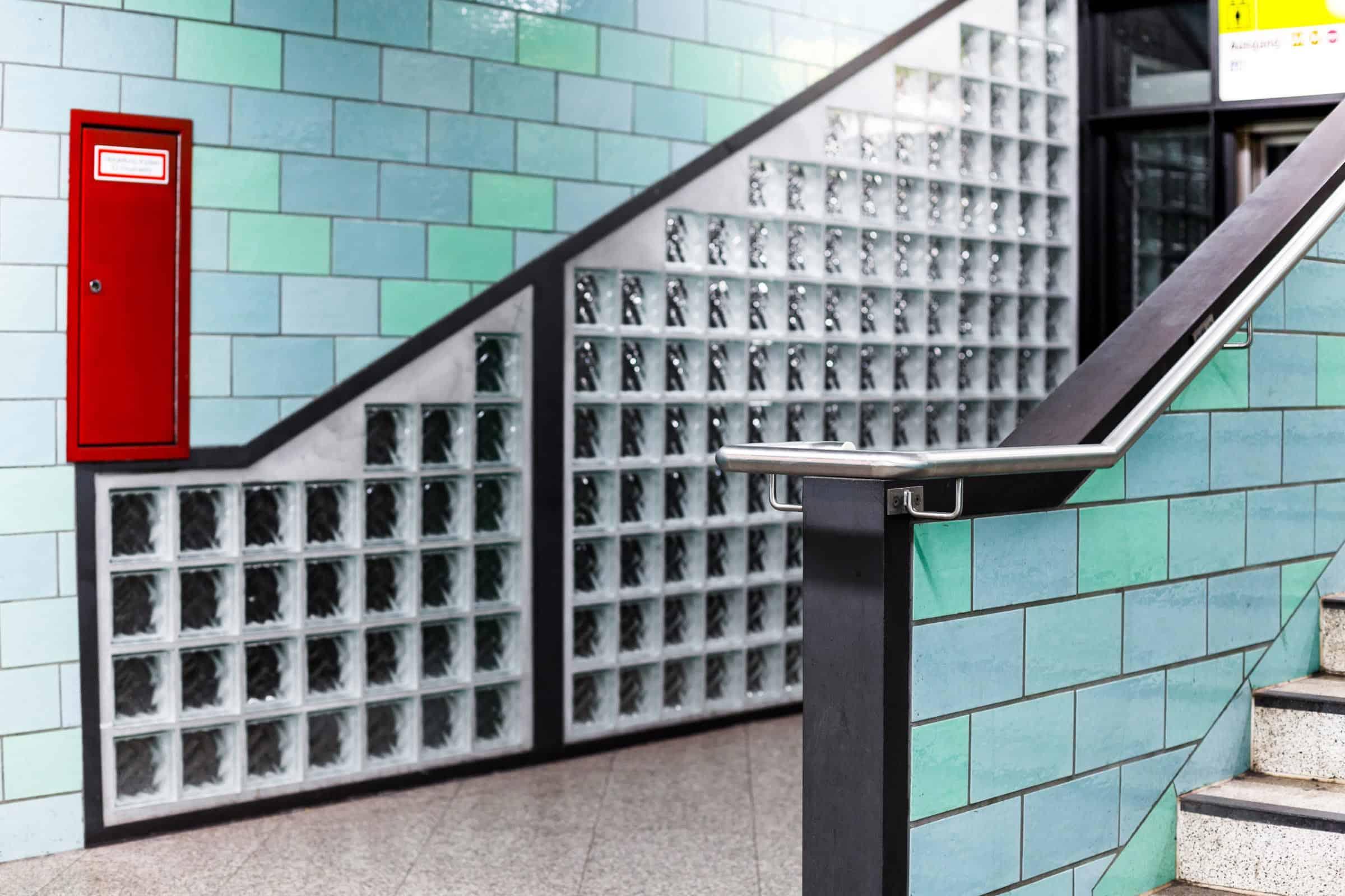 S2 - U Bahnhof Alexanderplatz – Berlin Treppen