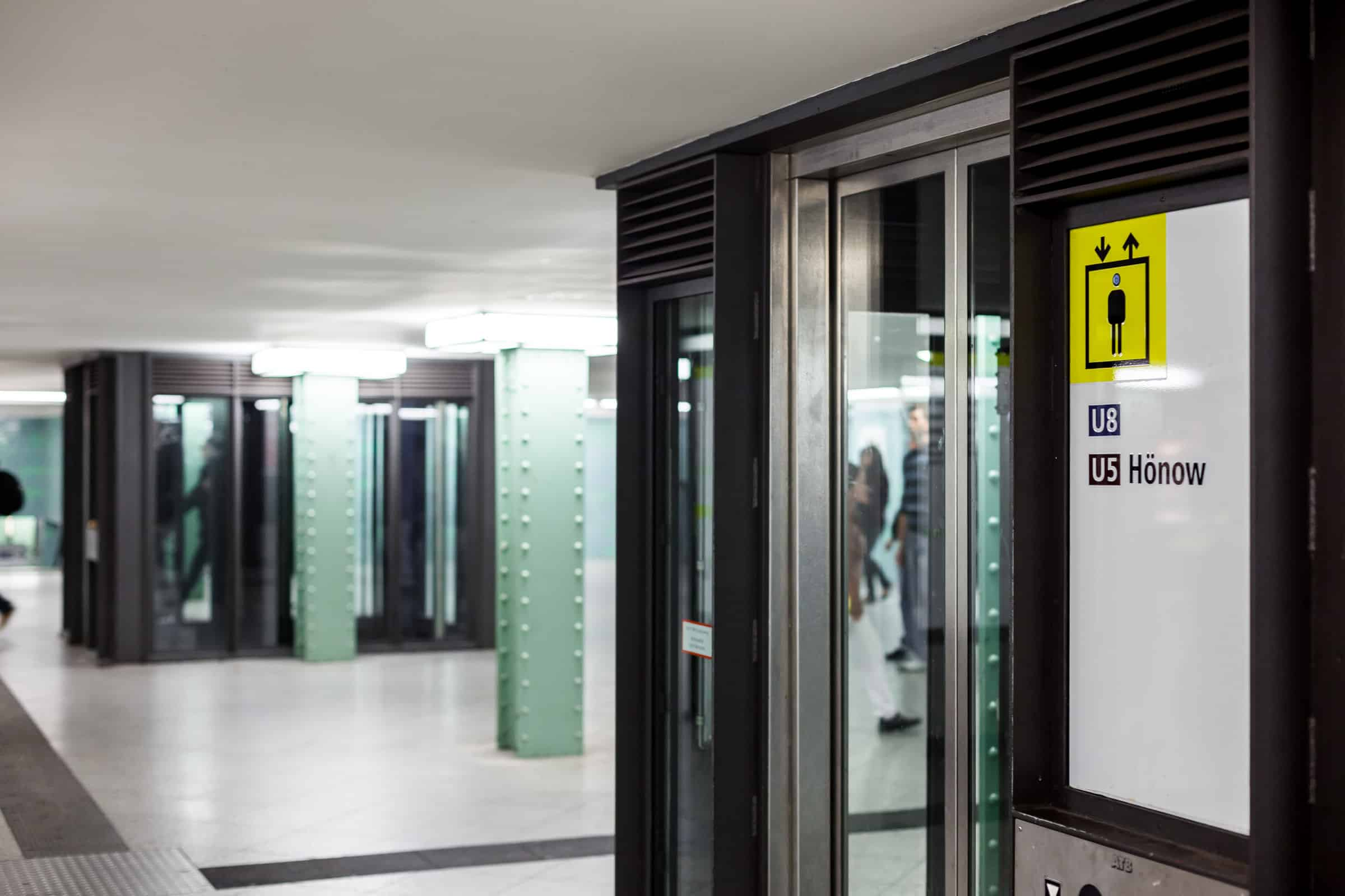 S2 - U Bahnhof Alexanderplatz – Berlin Fahrstuhl